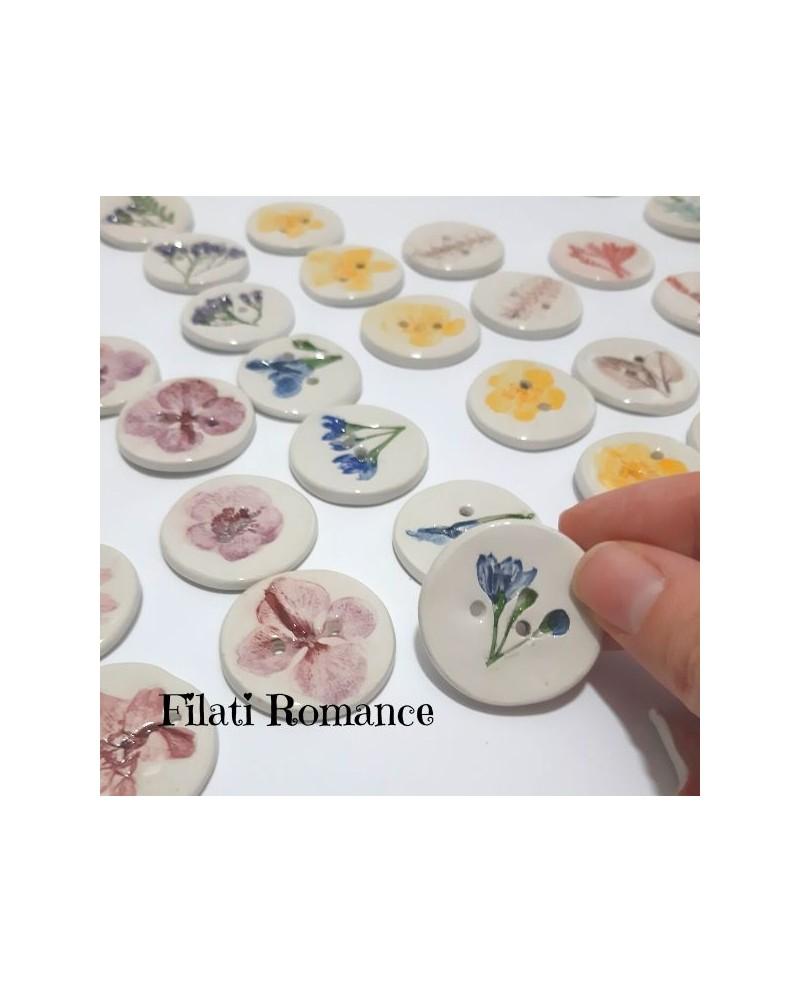 Bottoni in ceramica dipinti a mano con le piante