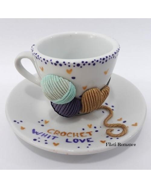 Tazzina da caffè decorata a tema uncinetto/maglia/filati